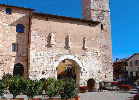Porta Consolare in Spello, Umbria